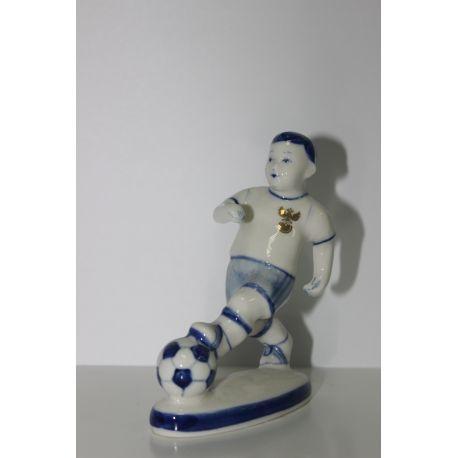 Керамическая статуэтка Нападающий
